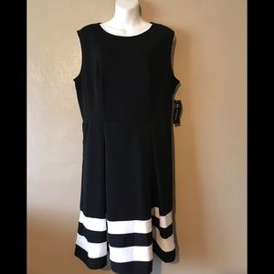 AA studio black white pleated dress 14 polyester